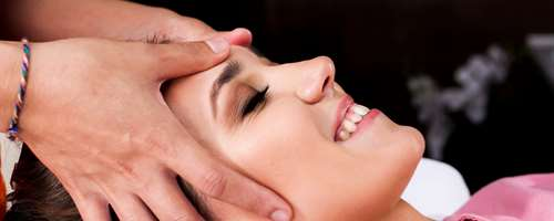 Bindweefsel-massage-face bij Beauty by Dr. Don